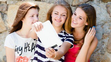 Femeile acaparează şi shoppingul de gadgeturi