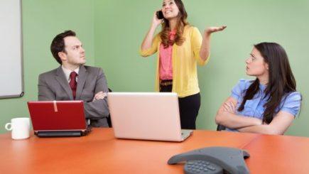 70% dintre angajați sunt plătiți pentru a pierde timpul