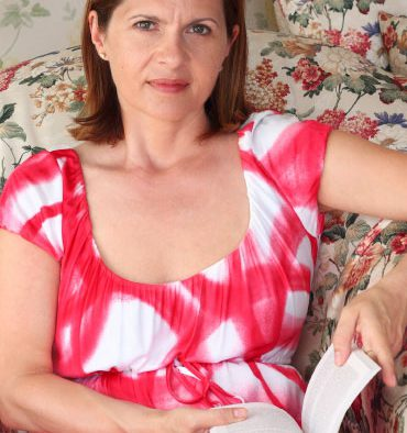 Adriana Saftoiu - In spatele cuvintelor...