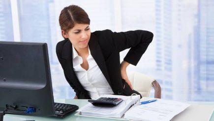 Terapie la job: Cum arată o zi din viața unui specialist care masează corporatiști