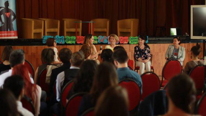 Omul sfinţeşte locul: Profesoara din Bucureşti care e responsabilă pentru miracolul de lângă Gara Obor