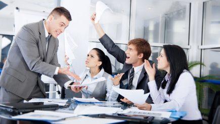 7 motive pentru care colegii fug de tine