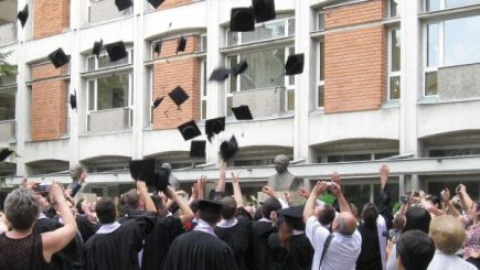 Cum să atragem și să integrăm generația Z de proaspăt absolvenți?
