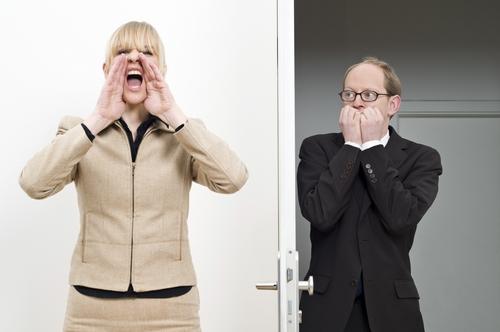 Studiu: Care sunt reactiile corecte in fata acceselor de furie ale colegilor