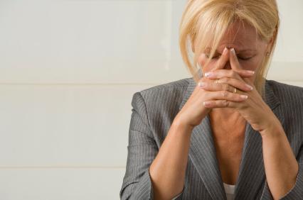 """Femeilor manager le este teamă să nu fie percepute drept """"impostoare"""""""