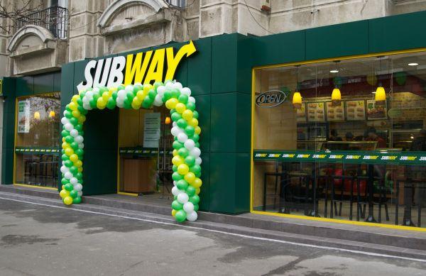 Subway a deschis primul restaurant din România. Până la finele anului vor fi inaugurate alte două unităţi