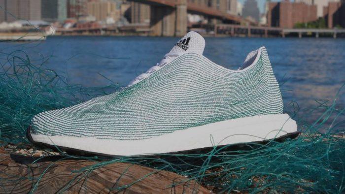 Ce face Adidas cu deșeurile plastice adunate din mări și oceane