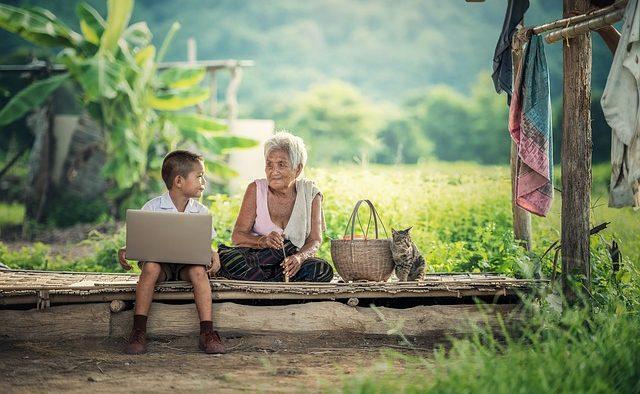 Afacerile de familie intră în era 2.0: Tot mai mulţi tineri preiau frâiele