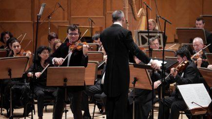Alexandru Tomescu, alături de Orchestra Naţională Radio, cântă în amintirea victimelor din 1989