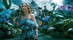 Alice fuge in Wonderland ca sa scape de maritis