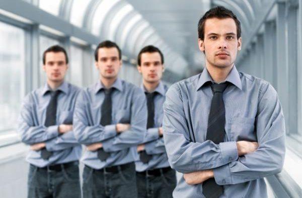 """De ce e bine să nu angajăm """"clone"""", după chipul și asemănarea noastră"""