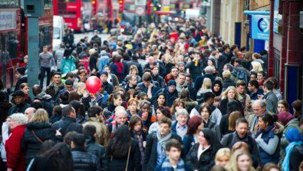 Numărul angajaţilor europeni în Marea Britanie a scăzut
