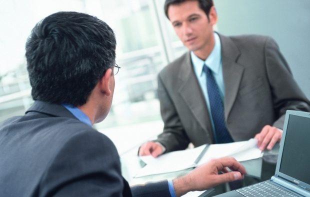 Interviul de angajare. Ce greșeli sunt de evitat pentru a obține jobul dorit