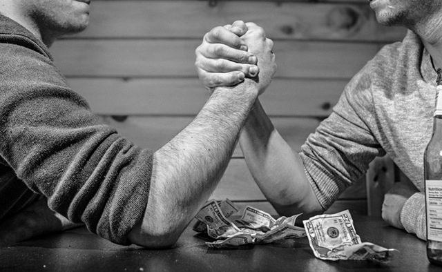 Când şi cum deschizi discuţia despre salariu într-un interviu