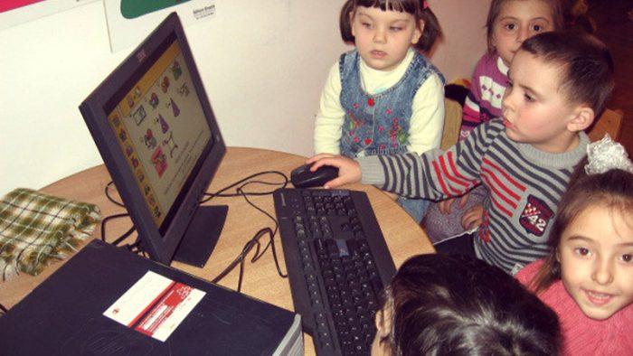 Program de solidaritate digitală: Ateliere fără frontiere!