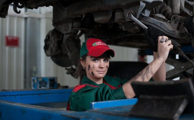 Efectele Brexit. Industria auto trage obloanele încet, dar sigur
