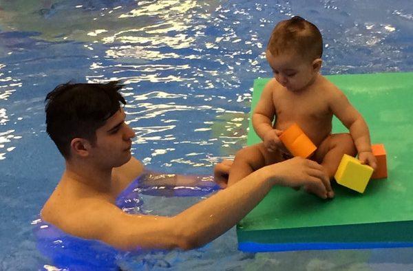 Pentru copii: De ce educaţie acvatică şi nu înot?