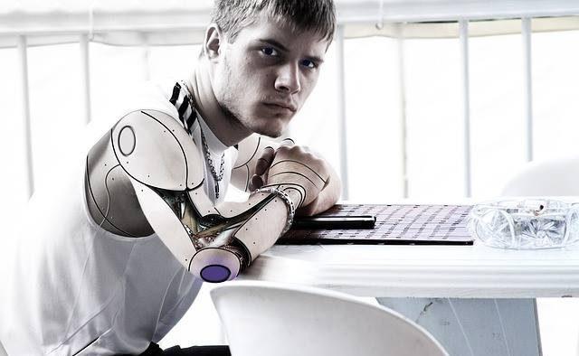 Lupta pe locurile de muncă este abia la început. Care este planul pus la cale de un miliardar împotriva roboților