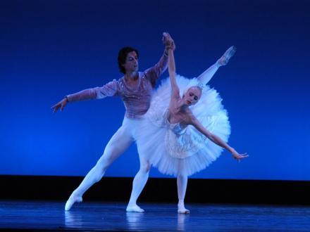Perfecţionare în domenii asociate spectacolului de operă şi balet