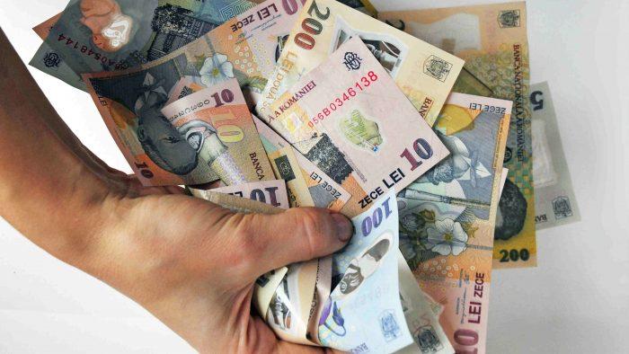 Criza politică din România crește cursul valutar: euro a atins maximul din ultimii cinci ani