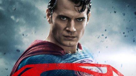 """Câștigătorul invitației duble la filmul """"Batman vs. Superman – Zorii dreptăţii """""""
