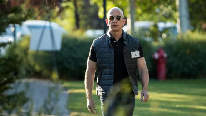 A devenit cel mai bogat om din toate timpurile: Destinul lui Jeff Bezos, un șef pretențios, care nu ezita să urle la angajați