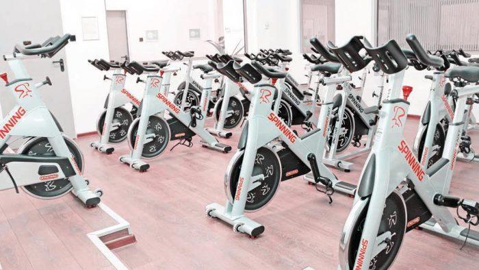 Exerciţii fizice, yoga şi sănătate la puterea Social Gym
