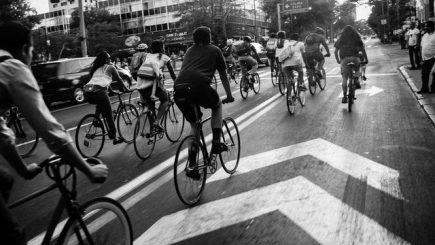 Mersul cu bicicleta la serviciu scade riscul de moarte precoce