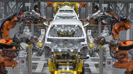 Lanțul slăbiciunilor. BMW oprește temporar producția din lipsă de piese