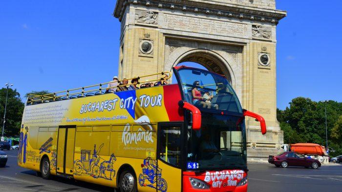 Autobuzele supraetajate din Bucureşti îşi reiau cursele