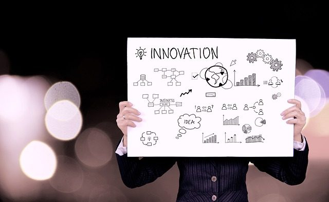 Nu poţi inova dacă stai într-o cutie: Piramida cu susul în jos, în care CEO-ul se află la bază