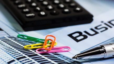 Salariul minim diferenţiat, în funcţie de studii: Oamenii de afaceri cred ca e o idee proastă