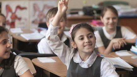 UNICEF şi Carrefour ajută copiii defavorizaţi să meargă la şcoală