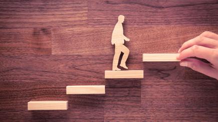 Patru paşi simpli prin care să îmbunătăţeşti serviciile în organizaţia ta