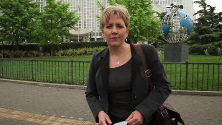 Carrie Gracie, redactorul şef al BBC China, a demisionat. Motivul evidențiază  diferenţele salariale între bărbaţi şi femei