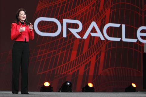 Angajați Oracle, printre victimele de la Colectiv. Safra Catz, CEO Oracle, a venit în România