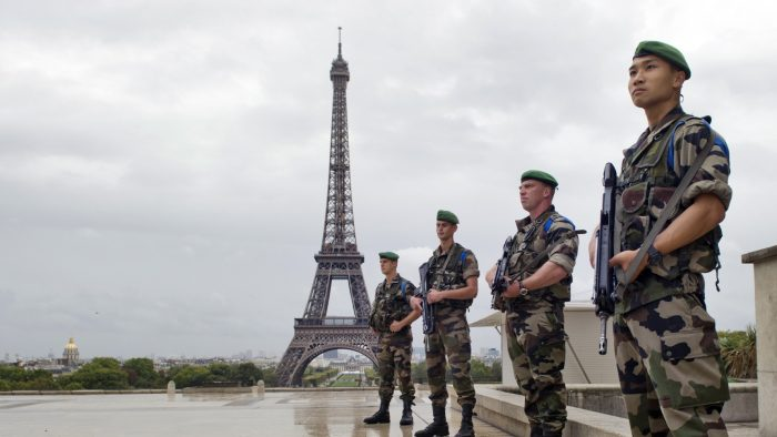 Cât îi costă pe francezi lupta cu terorismul