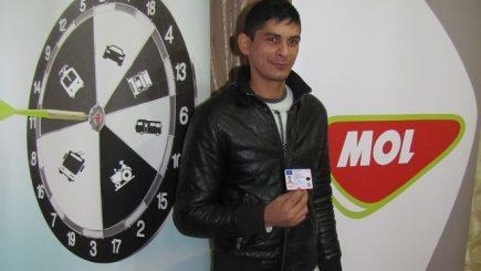 MOL România ajută tinerii din medii defavorizate să obțină permis de conducere