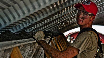 Deficit acut de muncitori într-un sector al economiei româneşti: Căutăm o soluție să aducem oameni din afară