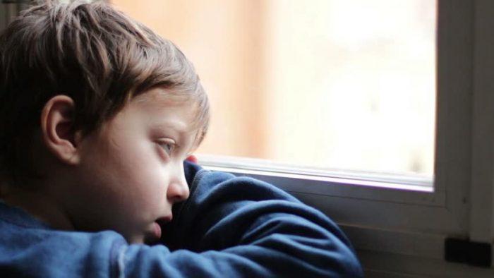 Cum îți educi emoțional copilul! Învață-l cum să gestioneze stresul și stările de anxietate