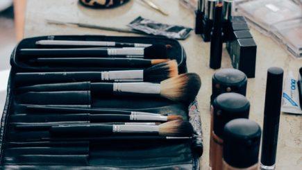 De la gadgeturi şi telefoane, la produse de înfrumuseţare şi de lux