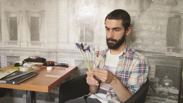 Tinerii români care au dat psihologia pe caligrafie