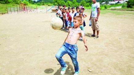 Antrenoarea care schimbă mentalități într-un sat de rudari