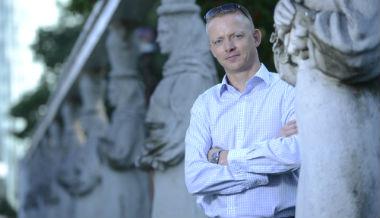 """Frustrat de birocrație și bariere lingvistice, un danez se hotărăște să ne rezolve o """"problemă românească"""": ce proiect a pornit"""
