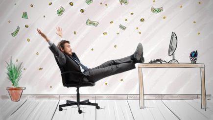 Se accentuează competiţia pentru atragerea angajaţilor