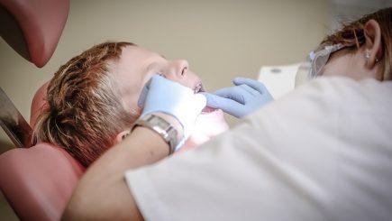 Când a început să practice profesia de medic stomatolog nu se gândea că va ajunge să deţină un lanţ de nouă clinici