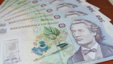 Cât câștigă 70% dintre salariații din România