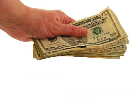 Circa 3.000 de milionari americani au primit ajutor de somaj in 2008