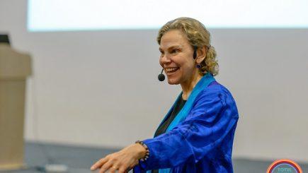 Dr. Laura Markham, pe 13 mai, la București. Faimosul specialist american în parenting va susține o serie de conferințe
