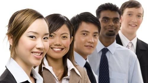 Cum conduci și omogenizezi o echipă multiculturală